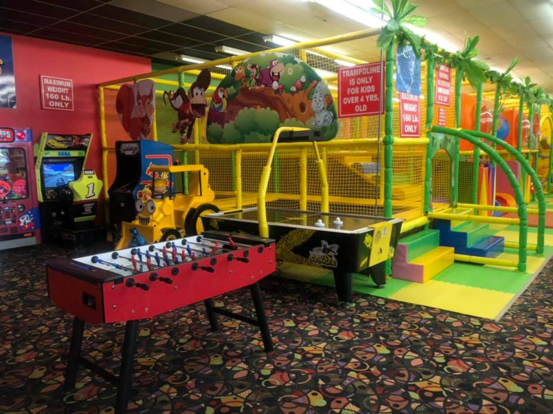 Yoyo's Family Fun Centre - Tourism Windsor Essex Pelee Island